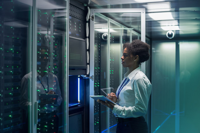 """IBM Services Teams with CBRE to Deliver """"Smart Maintenance"""" Services to Data Center Clients"""