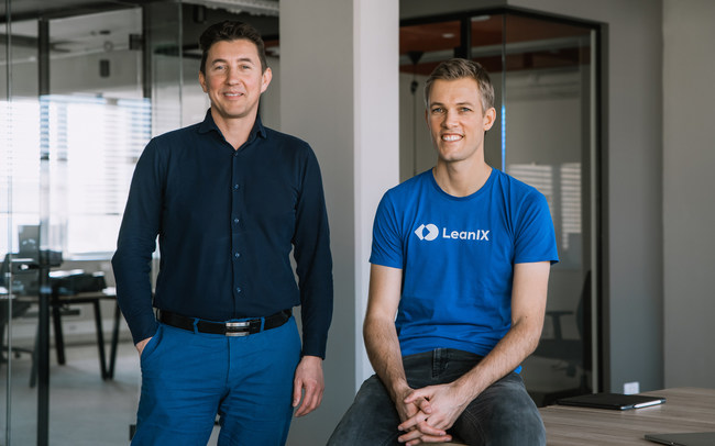 Cleanshelf CEO Dusan Omercevic (left) and LeanIX CEO André Christ (right)
