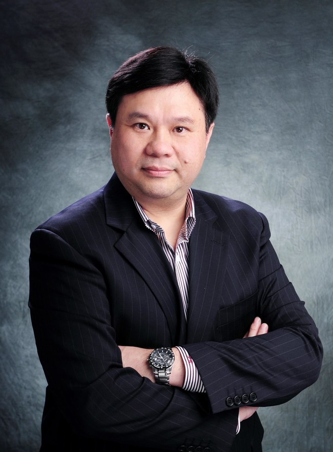 Dr. Philip Chan joins ShopWorn Asia as Managing Director. . Chan is a seasoned ecommerce entrepreneur and senior executive with over 15 years of digital marketing experience, previously serving as General Manager for Google Hong Kong and Vice President of Yahoo Asia, with additional roles at Cisco and Motorola.